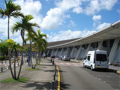 Covid-19 : Isolement de 7 jours, test PCR négatif, la Martinique durcit les conditions d'entrée sur son territoire